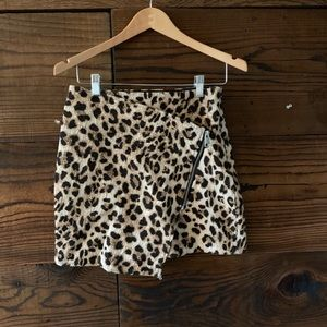 H&M leopard print mini skirt